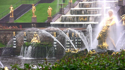 Samson and the Lion Fountain, Peterhof, Russia Stock Video Footage