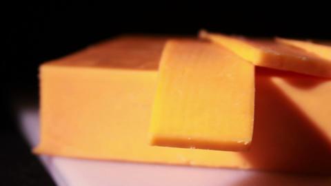 Cheddar Cheese being Cut ライブ動画