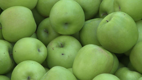 gapples in bin zoom out Stock Video Footage