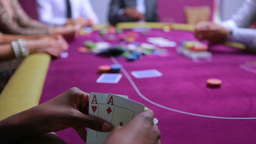 Woman wins at poker with amazing hand Footage