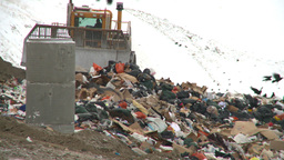 HD2008-12-8-6 landfill caterpiller Stock Video Footage