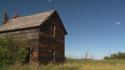 HD2008-7-16-44 abandoned farm house Stock Video Footage