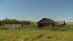 HD2008-7-16-46 outbuilding abandoned farm house Stock Video Footage