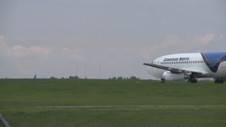 HD2008-6-1-25 B737 takeoff Stock Video Footage