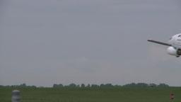 HD2008-6-1-29 B737 landing LL Stock Video Footage
