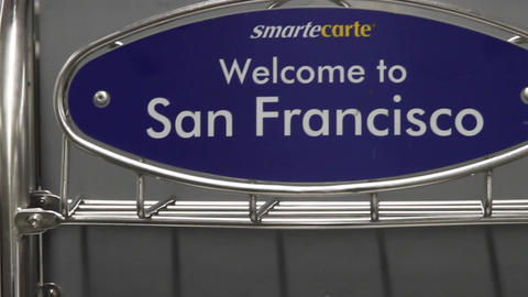 welcome to san Francisco sign airport Stock Video Footage
