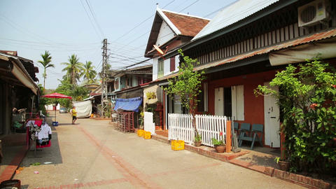 view of easy going relax Luang Prabang streets, La Footage