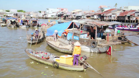 MEKONG DELTA, VIETNAM - MAY 2014: floating market Footage