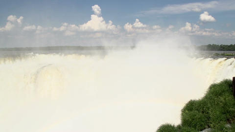036 Iguazu waterfalls , viewed from Argentina , De Footage