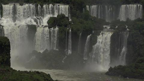 016 Iguazu waterfalls , big boat with tourists und Stock Video Footage