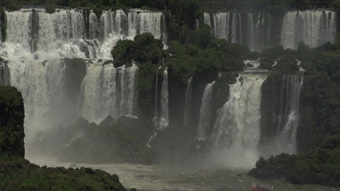 016 Iguazu waterfalls , big boat with tourists und Footage