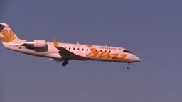 HD2008-10-2-46 jazzRJ jet landing thru frame Footage