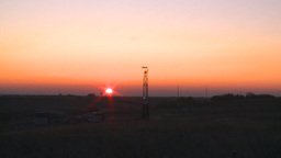 HD2008-10-3-3 sunrise oil rig Footage
