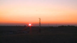 HD2008-10-3-3 sunrise oil rig Stock Video Footage