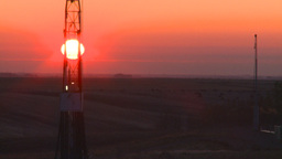 HD2008-10-3-5 sunrise oil rig Z Footage