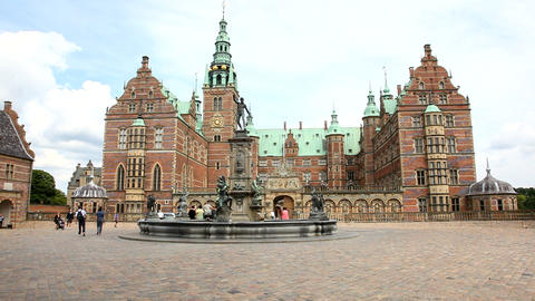 Frederiksborg - the largest Renaissance Castle in Stock Video Footage