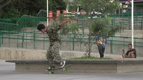 092 Sao Paulo , skateboarding in park , slowmotion Footage
