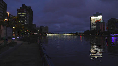 Love river at night Live影片