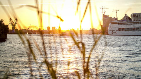Ship dance on the Hamburg Elbe river - DSLR dolly Stock Video Footage