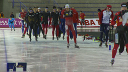 HD2009-12-1-44 Speed skaters practise Footage