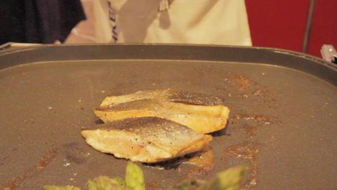 Grilling Salmon 0