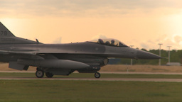 HD2009-6-6-53 F16 taxis Stock Video Footage