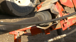 HD2009-10-6-32 auger PTO to auger to seed bin Stock Video Footage