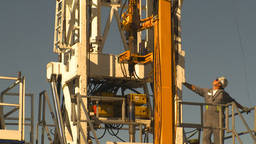 HD2009-9-17-3 drill rig Stock Video Footage