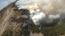 HD2009-9-39-10 forest fire aerial big ws Stock Video Footage