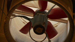 HD2009-9-41RC-3 rack focus slow spin fan Stock Video Footage