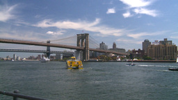 HD2008 8 23 49 NYC bridges and boats Stock Video Footage