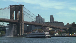 TL NYC bridges and boats Stock Video Footage