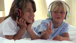 Animation of two children listenning music Animation