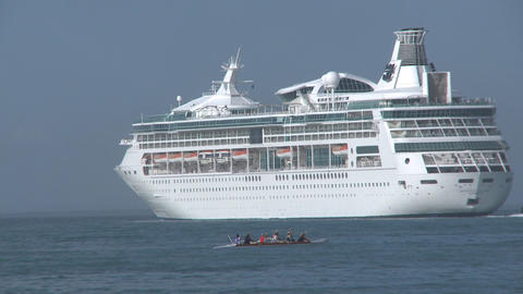 outrigger canoe and cruise ship Stock Video Footage