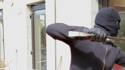 Burglar try to break into the house Footage
