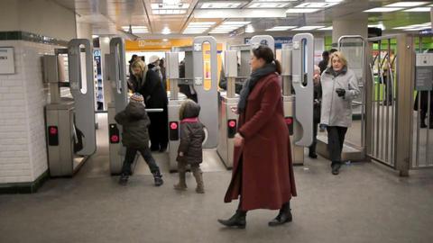 Paris metro 24 Stock Video Footage
