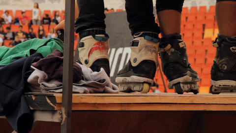 Roller Skates Feet Detail On A Ramp, Extreme Sport 圖片