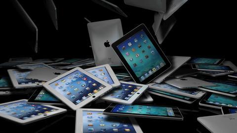 iPads Falling On A Reflective Stage, ライブ動画