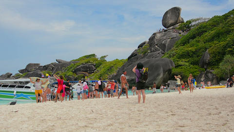 SIMILANS. THAILAND - CIRCA MAR 2014: Numerous tour Footage