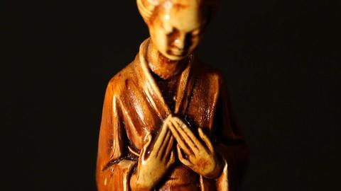 Geisha Statue ART 01 tilt Footage