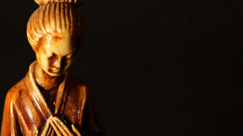 Geisha Statue ART 03 tilt Footage