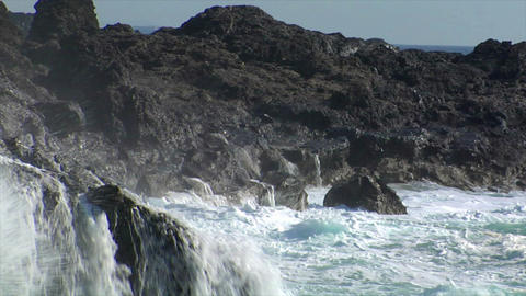crushing big waves all around Stock Video Footage