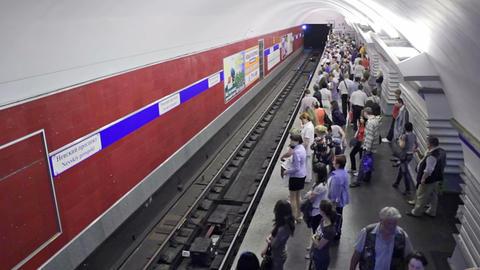 Nevskiy prospekt, timelapse, St. Petersburg, Russi Stock Video Footage