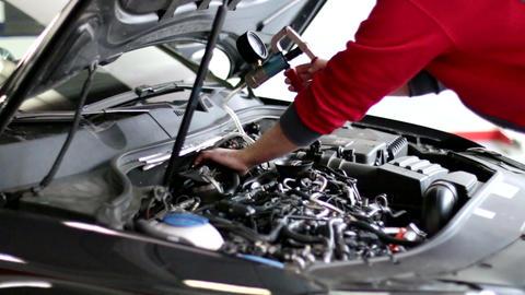 Vacuum Pump Car Reparation Footage 1 Live Action