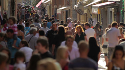 Crowded street - tourists in Croatia Stock Video Footage