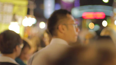 taiwanese people walk at night market - shallow de Live Action