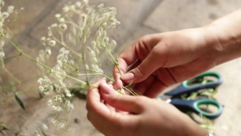 Make flower decoration in a vase Footage