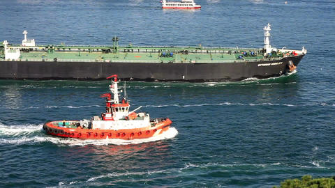 Pilotage service boat sailing into Straits with su Footage