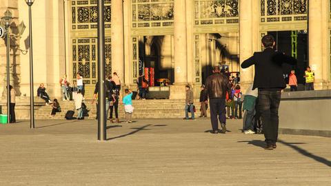 People entering the Keleti palyaudvar Trainstation Footage