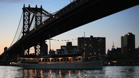 Manhattan Bridge Live Action